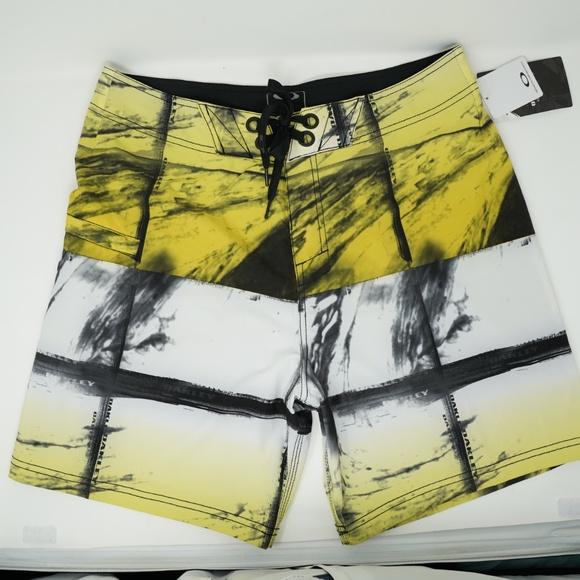 """Oakley Other - NWT Oakley Mesh Swim Trunks Board Shorts 19"""" 33"""